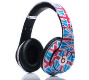 What Headphones is Michael Phelps Wearing at the 2012 Summer Olympics? (2/4)