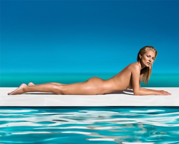 """Kate Moss wearing the""""Ultimate Tan"""" - St .Tropez Self Tanning creme and spray-picture courtesy of www.mirror.co.uk"""