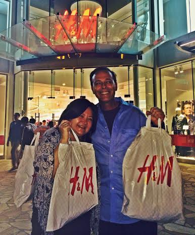 Scott Mackenzie and Sharen at H&M Hawaii-Streetzblog.com