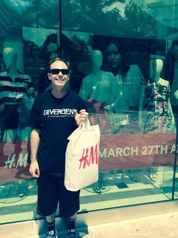 Scott Mackenzie at H&M Waikiki 2014